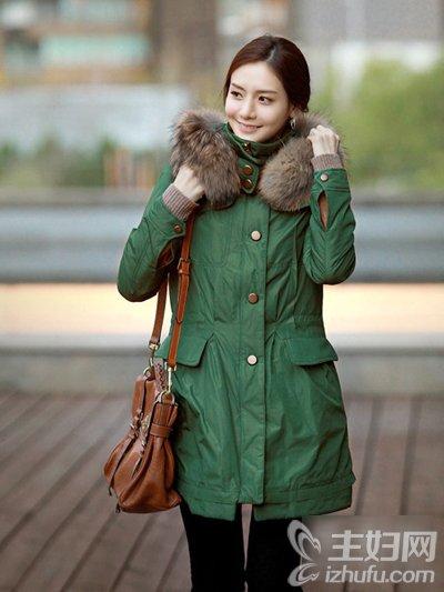 资讯生活40岁女人如何穿衣搭配 呢子大衣显瘦又减龄